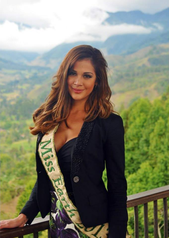 Miss Earth 2013 - Alyz - Colombia 0013