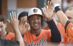 MLB - Jonathan Schoop 002